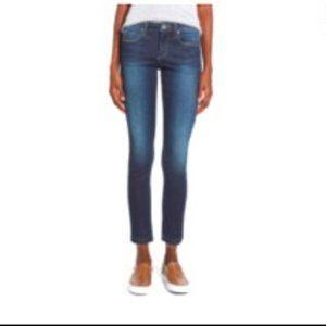 Articles of Society Carly' Frayed Hem Ankle Skinny